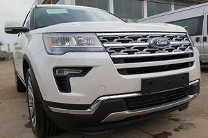 Mua Ford Explorer, khách Việt bị 'móc túi' hơn 200 triệu đồng