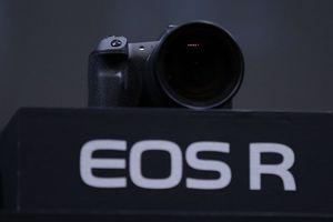 Canon, Sony, Nikon cạnh tranh khốc liệt trong thị trường máy ảnh chuyên nghiệp