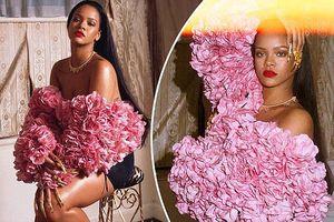 Rihanna gợi tình với áo hoa hồng cúp ngực