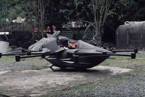 Chán cảnh tắc đường, chàng trai Philippines tự chế xe bay độc đáo