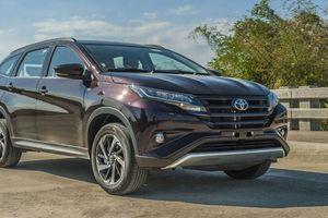 Xe nhập khẩu Toyota đồng loạt đổ bộ thị trường Việt Nam