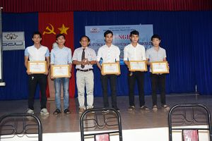 Trường Đại học Phạm Văn Đồng: Tổng kết nghiên cứu khoa học sinh viên giai đoạn 2016-2018