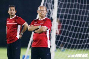 Việt Nam cần đặt trọng tâm AFF Cup, sớm gia hạn hợp đồng với HLV Park Hang Seo