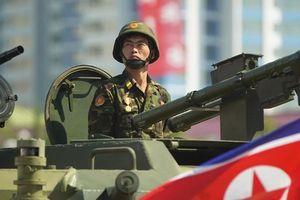 Triều Tiên diễu binh không có tên lửa, thế giới 'thở phào nhẹ nhõm'