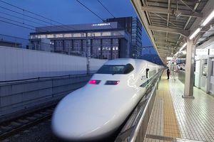 Làm rõ tác động của dự án đường sắt tốc độ cao đến nợ công