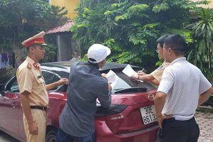 Tài xế lái Mazda 3 đánh võng giữa phố bị phạt 14 triệu đồng