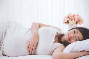 Tư thế ngủ thích hợp, an toàn cho bà bầu trong tháng thứ 6 thai kỳ