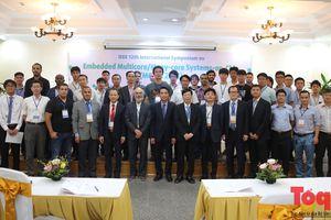 Lần đầu tiên Đại học Công nghệ tổ chức Hội nghị Khoa học Quốc tế IEEE