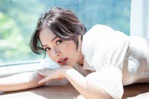 Dương Cẩm Lynh chia tay chồng: 'Chấp nhận buông bỏ khi chuyện không theo ý muốn'