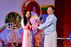 Chuyện Ngoại giao: Nữ Đại sứ Việt Nam hát bài hát Myanmar