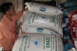Sản xuất thức ăn chăn nuôi: Chưa chủ động nguồn nguyên liệu