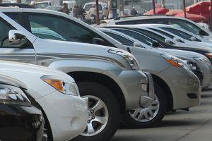 Thị trường ô tô Việt vẫn 'ngán' tháng Ngâu