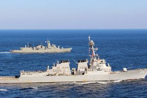 Mỹ đã bao vây Syria bằng 200 tên lửa Tomahawk
