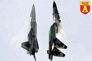 'Chim ăn thịt' F-22 và 'chiến thần' Su-35 vừa có màn chạm mặt nhau trên không