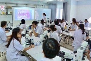 Ðổi mới đào tạo nhân lực y tế