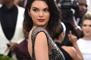 Kendall Jenner dính nhiều scandal trước lùm xùm ảnh khỏa thân