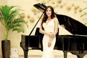 Hoa hậu Vy Nguyễn - hướng về quê hương với tấm lòng nhân ái