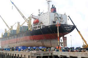 Tai nạn trong xưởng đóng tàu, 2 công nhân thiệt mạng