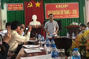 Tin mới về vụ lùm xùm cán bộ Cà Mau đi hội chợ nước ngoài