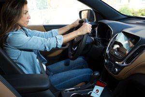 Ứng dụng nhắc tài xế không dùng điện thoại di động khi lái xe