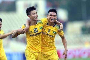 Hai tuyển thủ Olympic Việt Nam nghỉ hết mùa