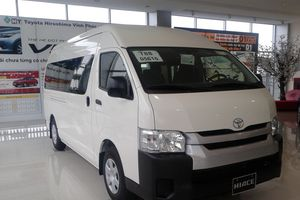 Giảm giá 241 triệu đồng, doanh số Toyota Hiace tăng mạnh