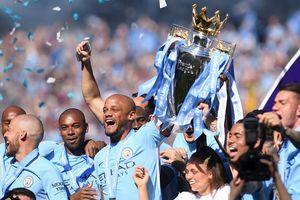 Cúp bạc Premier League 'kỷ lục' của Man City đến Việt Nam