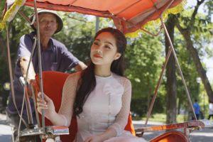 Sao mai Mai Diệu Ly ra mắt MV lãng mạn về mùa thu Hà Nội