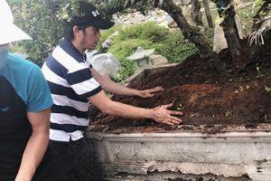 Nghệ sĩ Hoài Linh dọn dẹp nhà thờ trước lễ giỗ Tổ