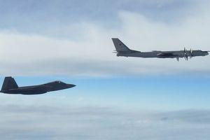 Mỹ có thể ngậm quả đắng khi điều F-22 chặn oanh tạc cơ Nga