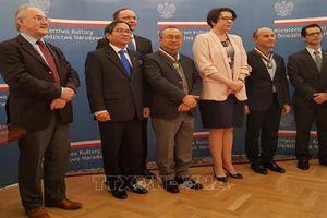 Nhà nước Ba Lan tôn vinh NSND Đặng Thái Sơn