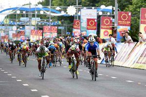 Chặng 12 Giải đua xe đạp quốc tế VTV-Cúp Tôn Hoa Sen 2018: Im Jaeyeon nhất chặng, giữ vững áo xanh
