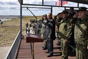 TT Putin: Tăng cường sức mạnh quân đội để bảo vệ Nga và đồng minh