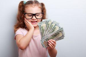 Những thủ thuật dạy con về ý nghĩa và cách sử dụng tiền mặt