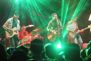 Đêm nhạc gây quỹ tình nguyện Không biên giới