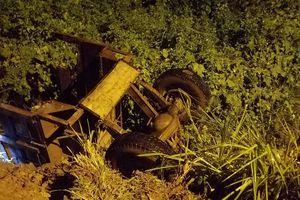Tài xế máy cày gặp tai nạn thương tâm