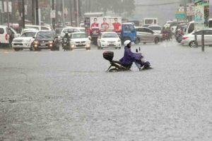 Philippines sơ tán người dân khi siêu bão Mangkhut gây lụt ở Manila