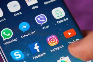 EU thống nhất buộc Google, Facebook trả phí bản quyền cho nghệ sĩ, nhà báo