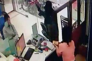 Lần theo dấu vết, truy bắt kẻ cướp ngân hàng ở Tiền Giang