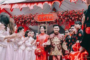 Chỉ là bộ ảnh ăn hỏi thôi, nhưng cặp đôi người Việt gốc Hoa này đã khiến dân mạng sốt xình xịch rồi!