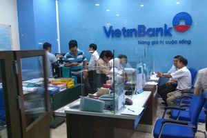 Thanh niên bịt mặt cướp bao nhiêu tiền trong ngân hàng ở Tiền Giang?