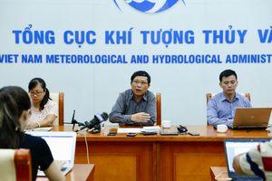 Siêu bão Mangkhut giảm cấp khi tiến vào biển Đông