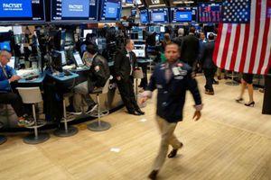 Cổ phiếu Apple dẫn chứng khoán Mỹ tăng điểm