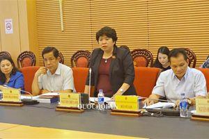 Ủy ban Về các vấn đề xã hội thẩm tra sơ bộ Dự án Luật Phòng, chống tác hại của rượu, bia