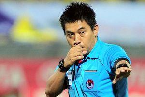 Trọng tài bóng đá Việt Nam - những 'ông vua tưởng tượng'