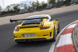 Nôn nóng mua Porsche, khách bị đại lý lừa 2,5 triệu USD