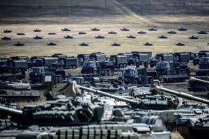 Binh lính, khí tài hùng hậu phô diễn trong cuộc tập trận lớn chưa từng có của Nga