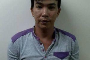 Tài xế xe ôm công nghê đâm gục thanh niên sau va chạm trên phố Sài Gòn