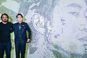 Rapper Karik được nghệ nhân quốc tế điêu khắc chân dung trên tường
