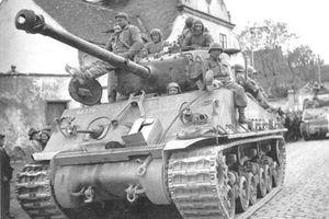 Ngạc nhiên chiếc xe tăng sống dai nhất Chiến tranh Thế giới thứ 2